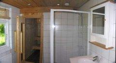 To badeværelser / Zwei Badezimmer / Two bathroom