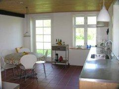 Stort spisekøkken / Grosse Küche mit Essplatz / Large kitchen-diningroom